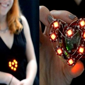 adafruit_flora_heart_rate_badge_adafruit_becky_stern_01a_anthony_matabaro_free_downloads_apps_games_projects_robotics_quizs_live_wallpapers_more
